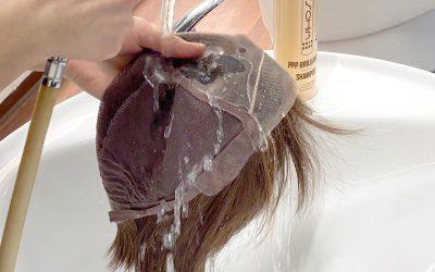 Das richtige Waschen und Pflegen einer Perücke